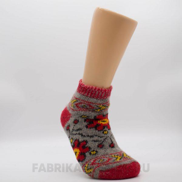 Женские короткие шерстяные носки с красным цвектом