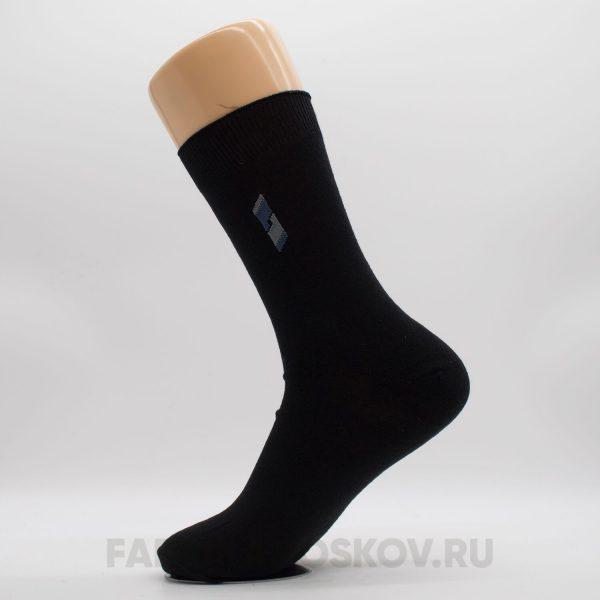 Гладкие мужские носки с вышивкой